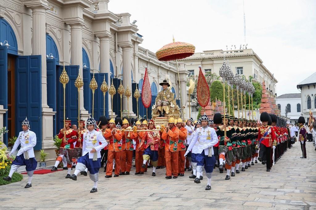 Quoc vuong Thai Lan the se tri vi bang chinh nghia hinh anh 4