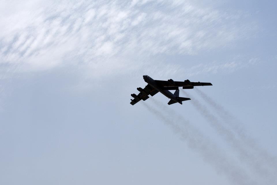 Can canh dan B-52, F-35 cua My quan thao Vung Vinh nan gan Iran hinh anh 3