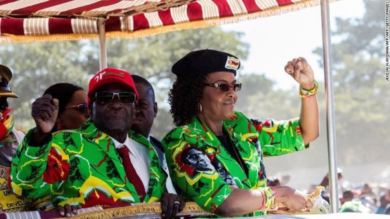 Tuong lai u toi cho cuu de nhat phu nhan tieu hoang nhat Zimbabwe hinh anh 2