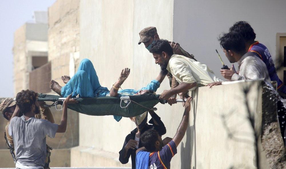 Chuyen bay an mung tro thanh tham kich o Pakistan hinh anh 4 mb4.jpg