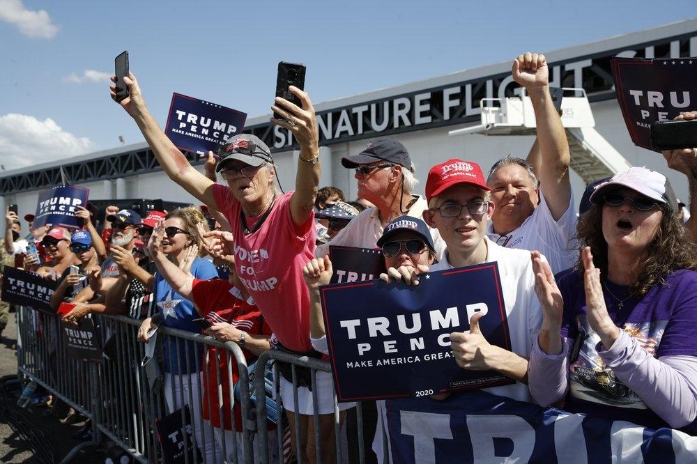 Tong thong Trump toi Florida van dong tranh cu anh 7