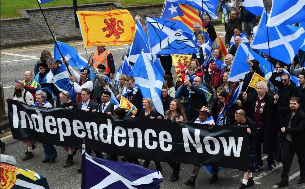 Scotland ly khai anh 1