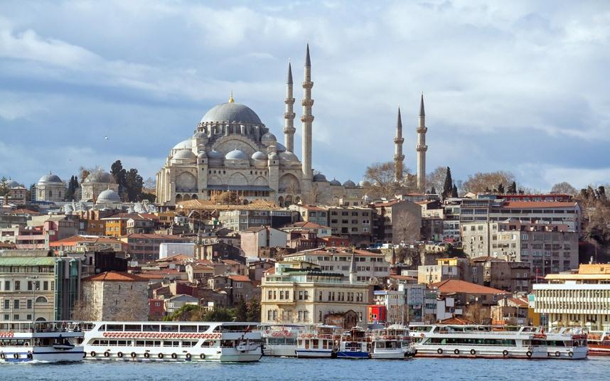 Top 10 thanh pho dep nhat the gioi hinh anh 4 Istanbul, Thổ Nhĩ Kỳ: Thủ đô của đế chế Ottoman một thời còn lưu giữ những tác phẩm kiến trúc vô giá như cung điện Topkapi, thánh đường Suleimaniye và Sultanahmet, hay công trình Aya Sofya từng là nhà thờ, thánh đường, và bây giờ là bảo tàng. Istanbul còn có những khách sạn boutique, các phòng trưng bày nghệ thuật hay những ngôi nhà kiến trúc Ottoman có tuổi đời nhiều thế kỷ…