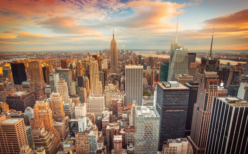 Top 10 thanh pho dep nhat the gioi hinh anh 9 New York, Mỹ: Từ những khu căn hộ xây bằng gạch đỏ nổi tiếng trong các series phim truyền hình như Friends đến những tòa nhà chọc trời như Empire State Buiding hay đài quan sát One World mới mở, New York là một thành phố sôi động và nhiều màu sắc.
