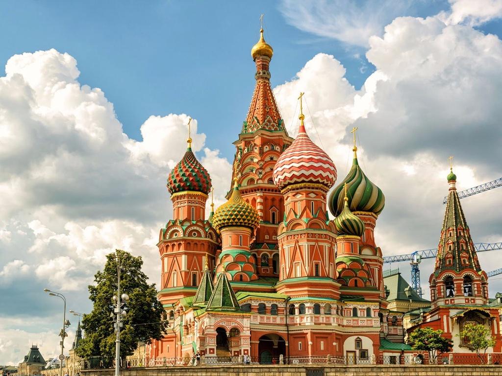 10 dia danh duoc nhieu du khach mo uoc nhat hinh anh 5 5. Moscow, Nga: Du khách sẽ được sống trong không gian hiện đại pha lẫn cổ kính khi đi bộ dọc Kremlin và quảng trường Đỏ. Ở đây có các show diễn truyền thống, như các vở ballet, kịch đẳng cấp thế giới hay các câu lạc bộ đêm sôi động.
