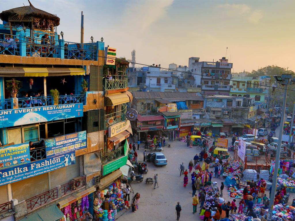10 dia danh duoc nhieu du khach mo uoc nhat hinh anh 8 7. New Delhi, Ấn Độ:  Theo thống kê của TripAdvisor, du khách đặt chỗ ở New Delhi tăng 28% mỗi năm. Các đại lộ rợp bóng cây, những khu di tích như đài thiên văn Jantar Mantar ghi dấu thành tựu kiến trúc và thiên văn học của người Ấn Độ, hay pháo đài Đỏ Red Fort Complex sừng sững những bức tường xây bằng cát đỏ…