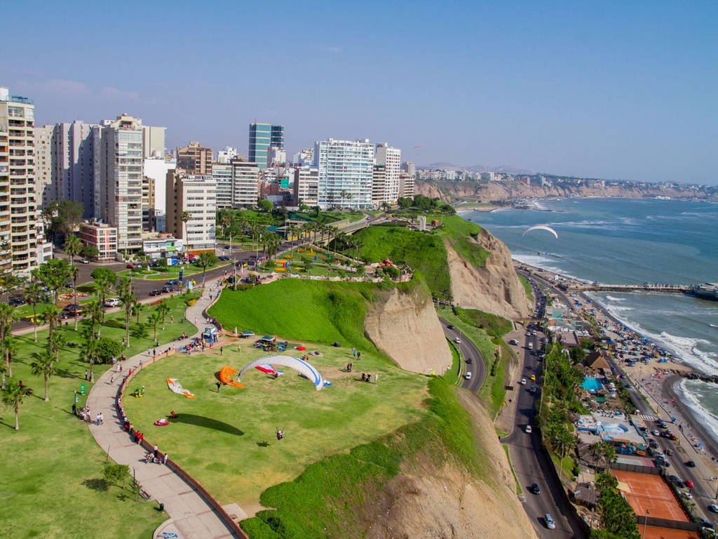 10 dia danh duoc nhieu du khach mo uoc nhat hinh anh 9 9. Lima, Peru: Lima là nơi có nhiều công viên và cảnh biển tuyệt đẹp, các phòng tranh, cửa hiệu thời trang và đặc biệt là ẩm thực hàng đầu thế giới.