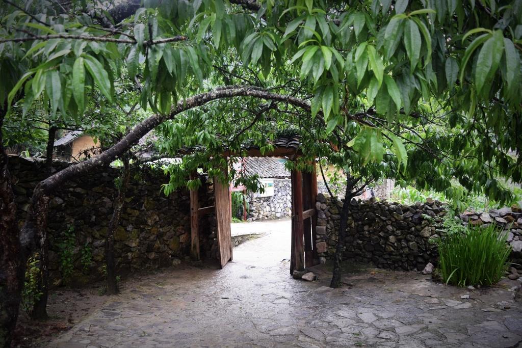 Cao nguyen da Dong Van hut hon trong mat du khach phuong Nam hinh anh 10
