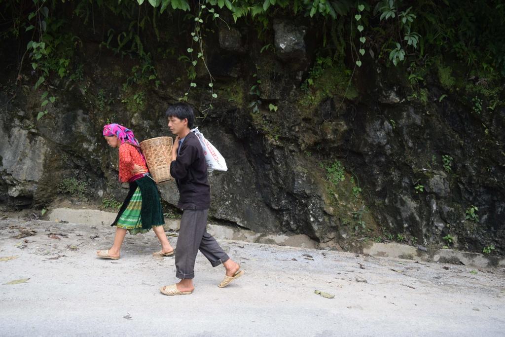 Cao nguyen da Dong Van hut hon trong mat du khach phuong Nam hinh anh 5