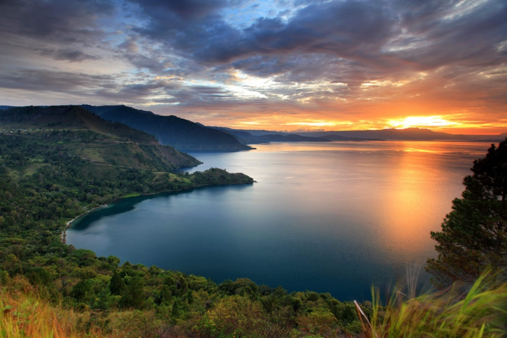 Khong den Bali, Indonesia van con nhieu dia diem de du khach kham pha hinh anh 1