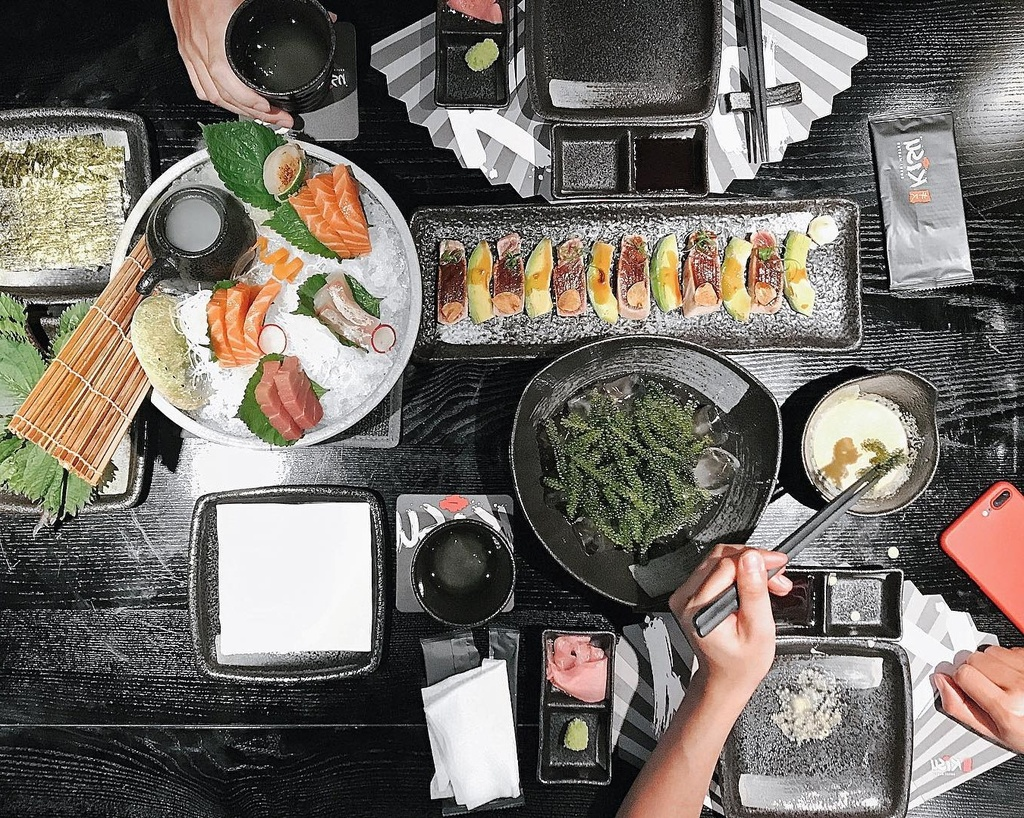 7 quan sushi cac food blogger review ban nen an thu hinh anh 3