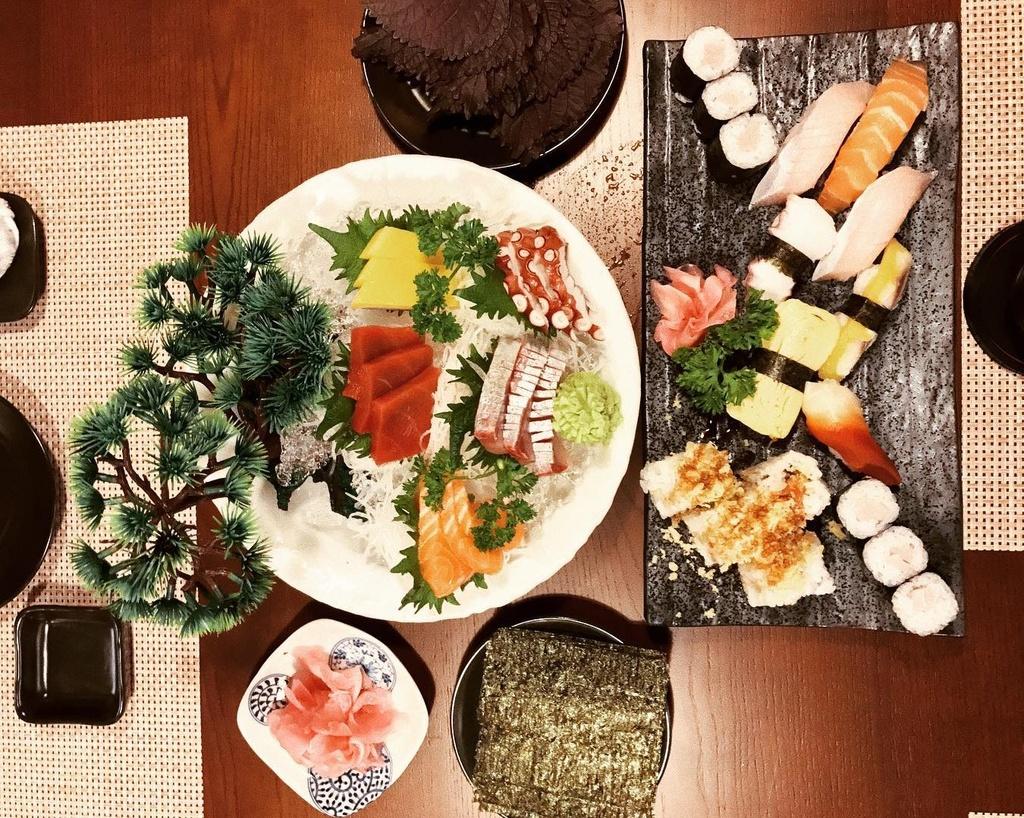 7 quan sushi cac food blogger review ban nen an thu hinh anh 4