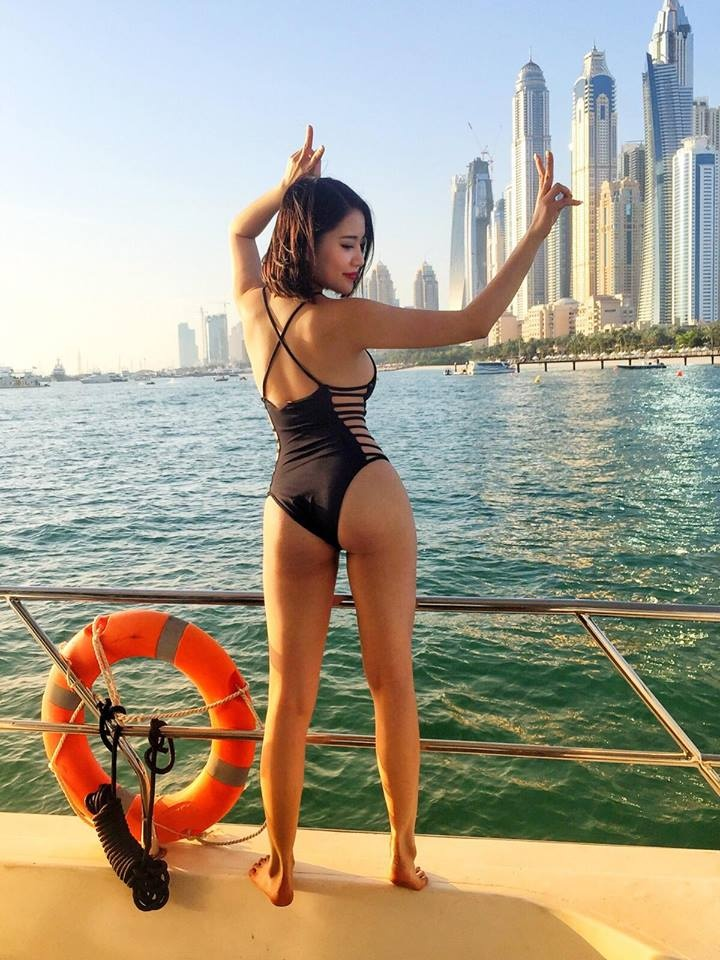 Hot girl Milan Pham va nhung buc hinh check-in nong bong khap the gioi hinh anh 25