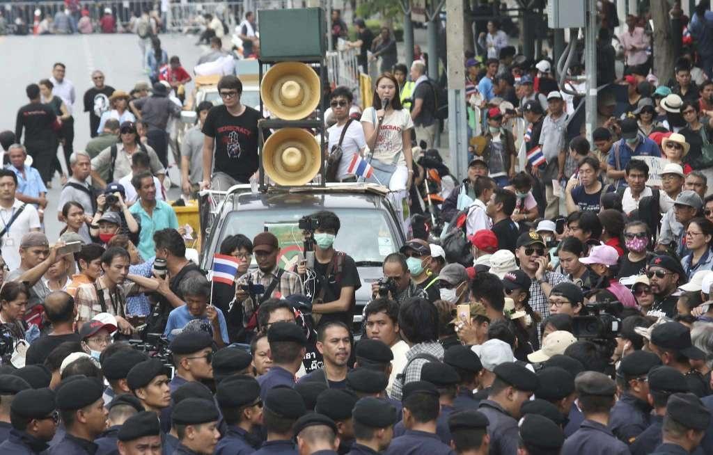 Thai Lan dieu dong gan 3.000 canh sat doi pho bieu tinh hinh anh 1