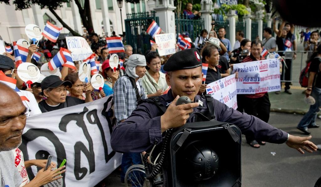 Thai Lan dieu dong gan 3.000 canh sat doi pho bieu tinh hinh anh 8
