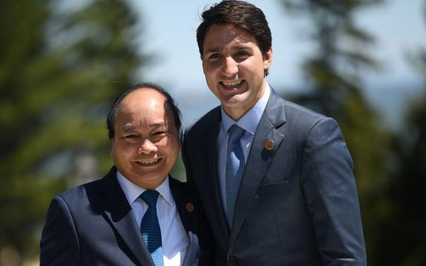 Thu tuong Nguyen Xuan Phuc hoi dam voi Thu tuong Canada hinh anh 2