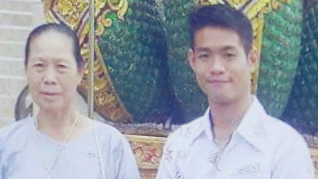 Huan luyen vien doi bong Thai thuong bon tre hon chinh ban than hinh anh 2