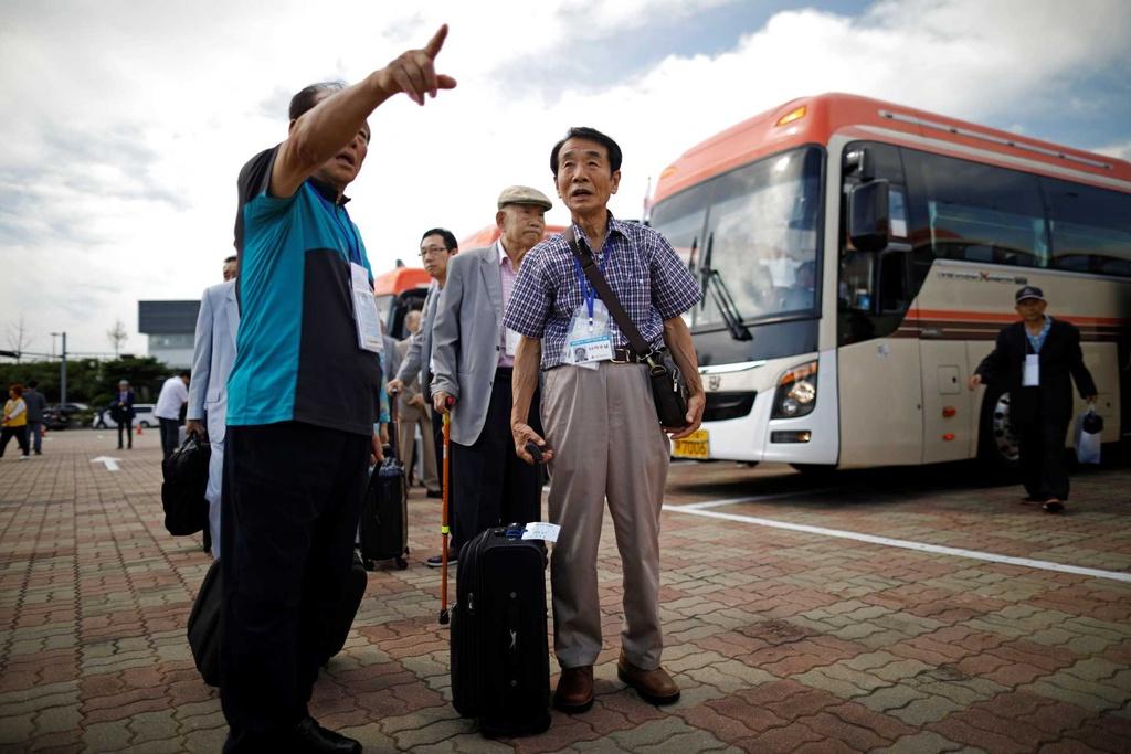 Doan tu Han-Trieu: Anh em gap lai sau 68 nam, so la lan cuoi trong doi hinh anh 1