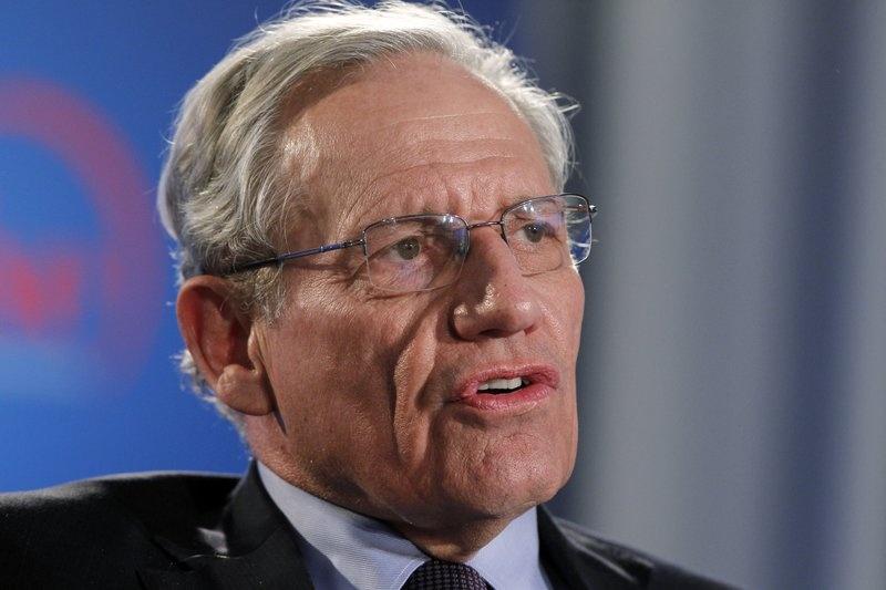 Woodward: Tro ly an trom giay to cua TT Trump de 'bao ve dat nuoc' hinh anh 1