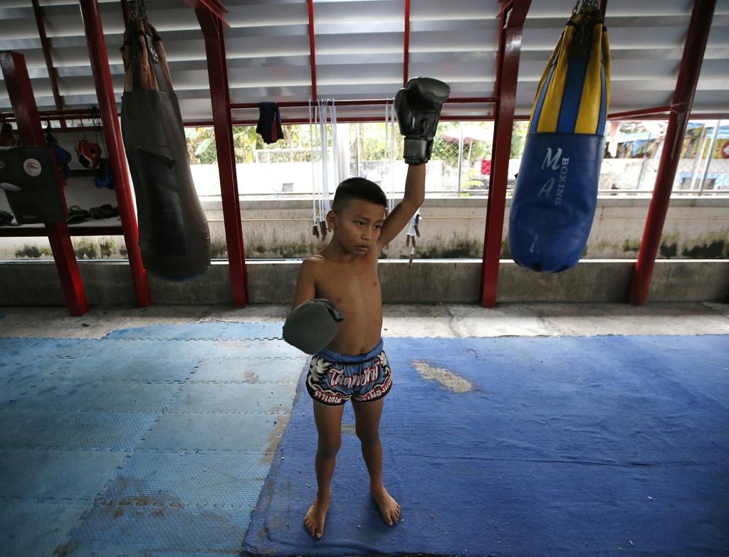 Đấu sĩ nhí Thái Lan: Thượng đài từ 8 tuổi, ước mơ đổi đời