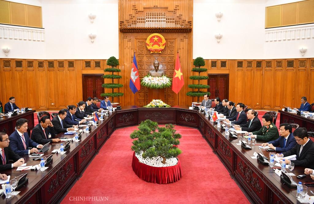 Thu tuong Nguyen Xuan Phuc hoi dam anh 2