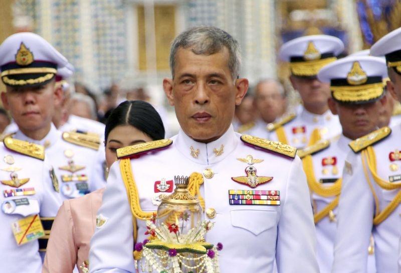 Chinh truong Thai 'dia chan' voi nhung can du bat ngo tu hoang gia hinh anh 2