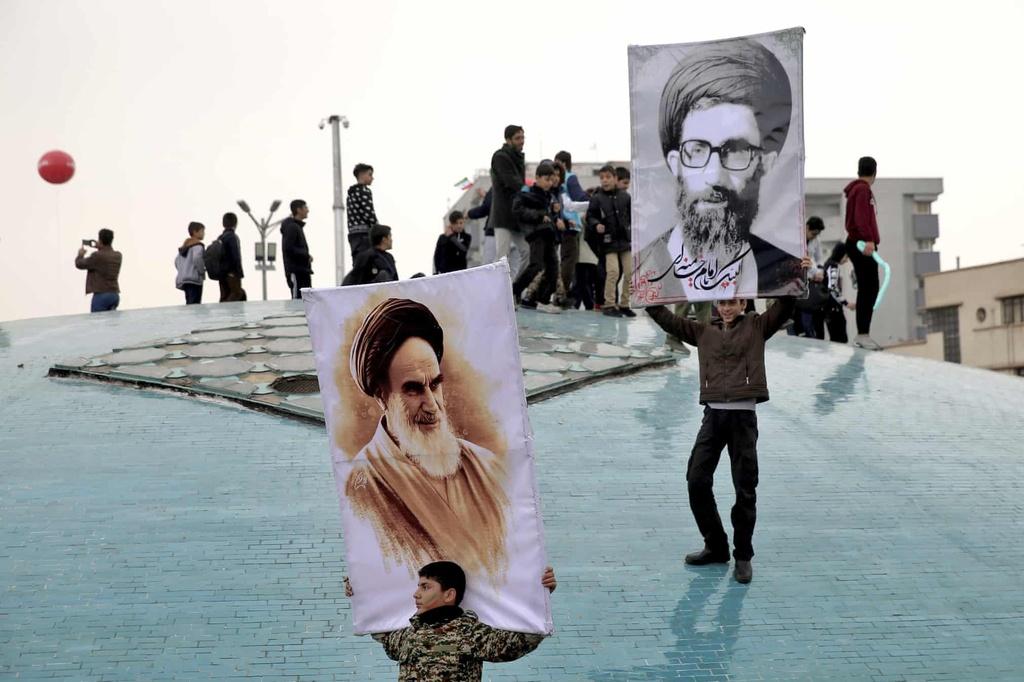 ky niem cach mang Hoi giao Iran anh 5
