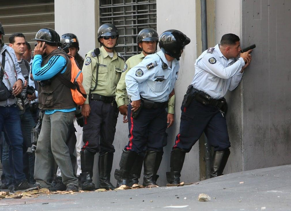 Phe doi lap Venezuela kha nang that bai voi 'canh bac' dao chinh hinh anh 3