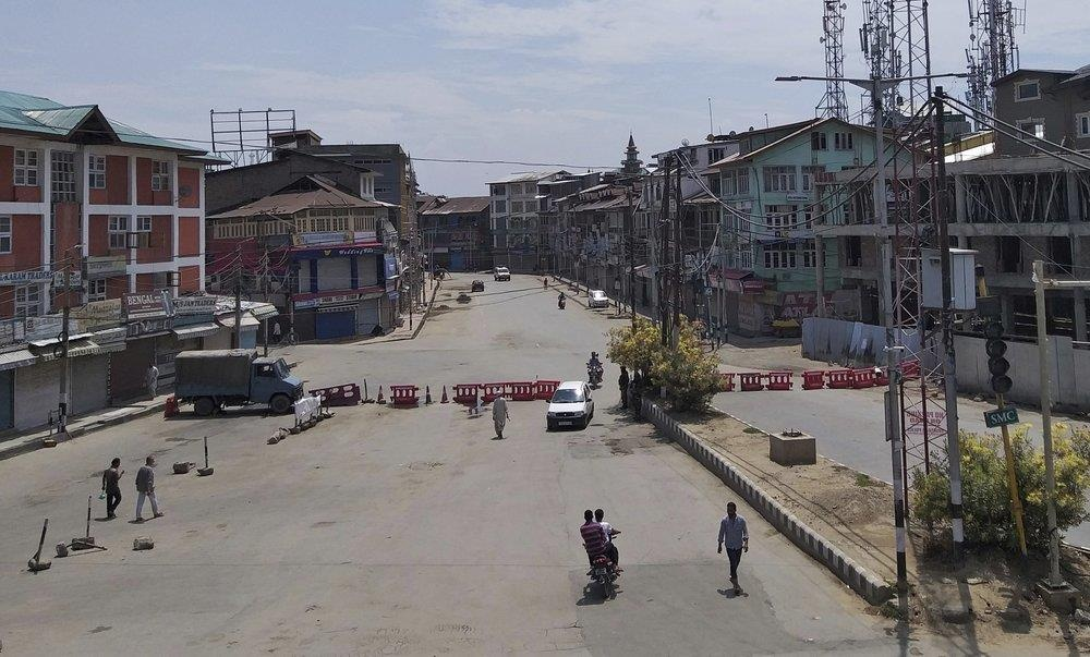 An Do thiet quan luat tai Kashmir, dan song canh 'dem bien thanh ngay' hinh anh 3