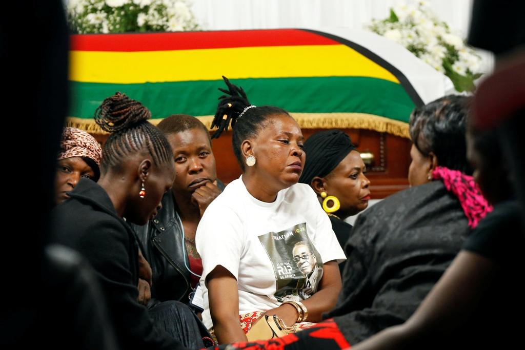Linh cuu cuu TT Mugabe anh 11