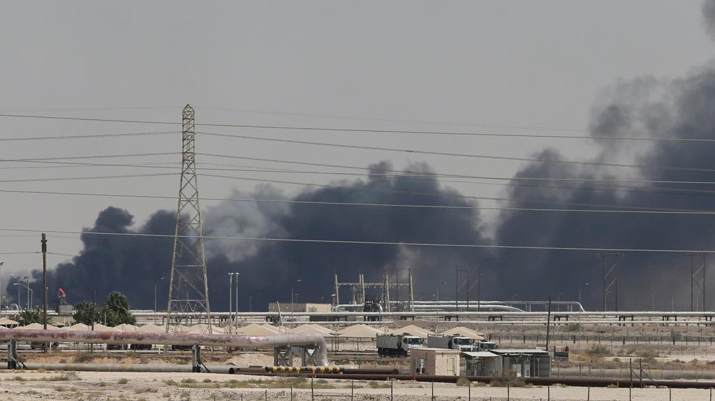 Nguy cơ chiến tranh bùng nổ sau vụ không kích nhà máy dầu Saudi