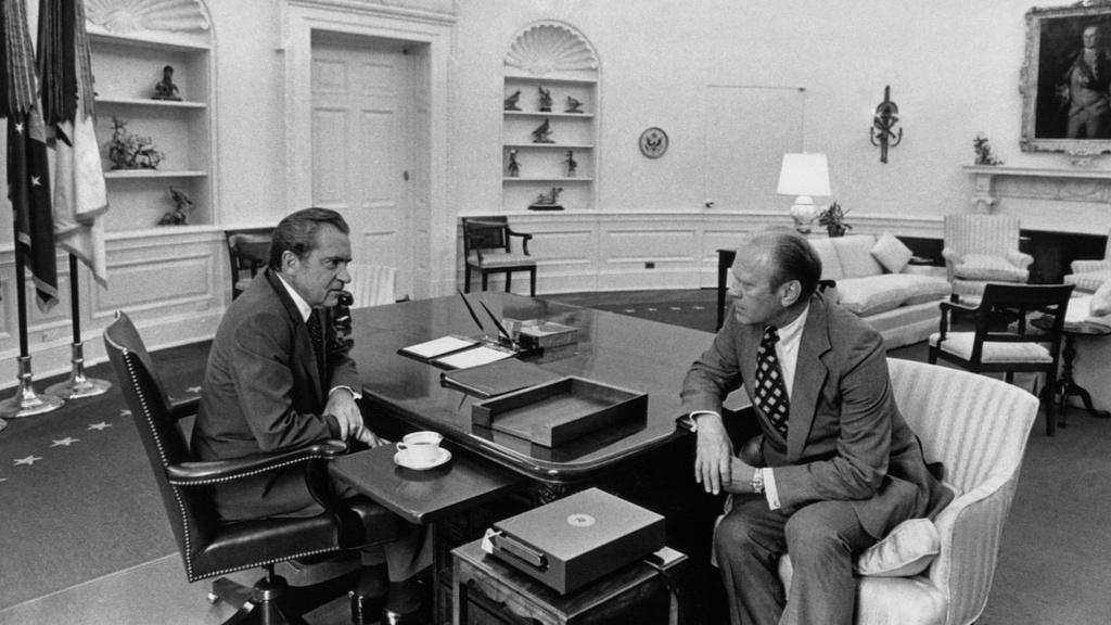 Clinton, Nixon va nhung cuoc dieu tra luan toi chan dong o My hinh anh 15