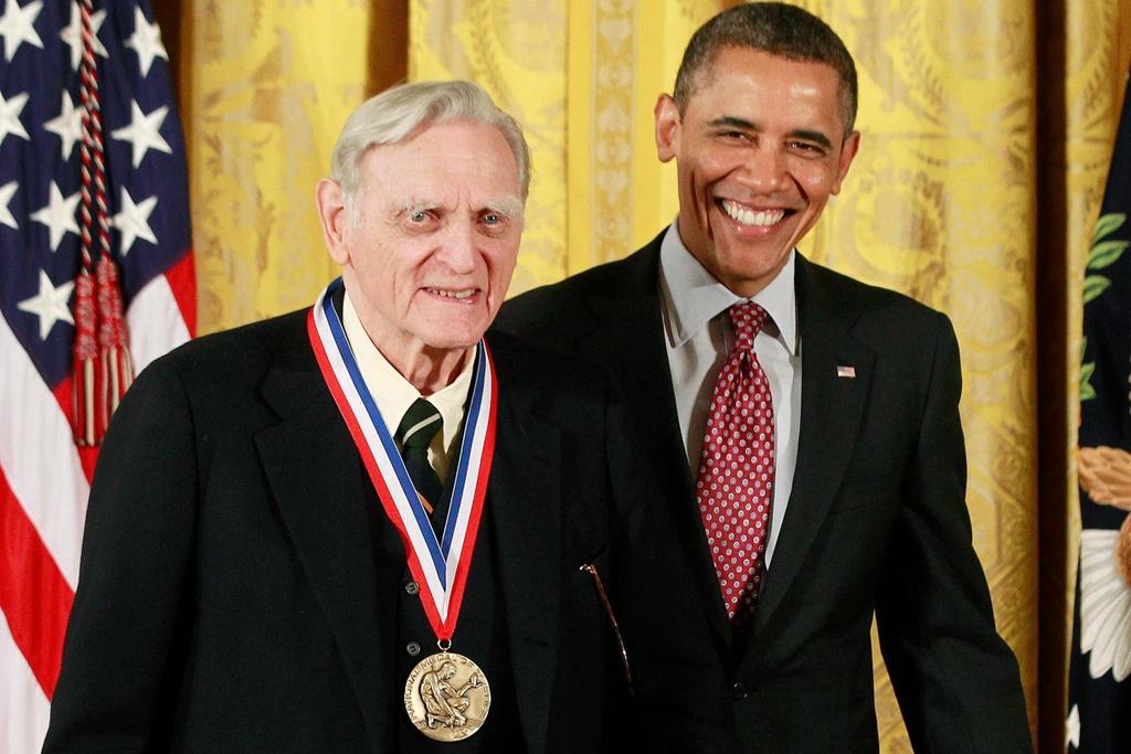 Nha khoa hoc 97 tuoi doat giai Nobel anh 2