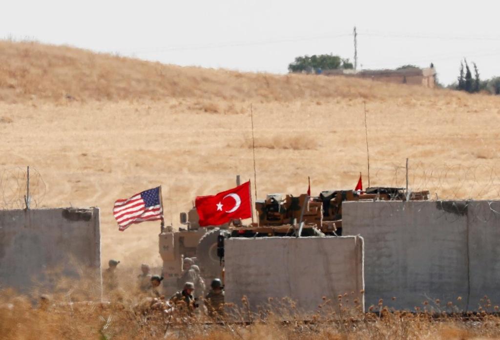 TT Trump bi chi trich 'phui sach tay' voi nguoi Kurd truoc Tho Nhi Ky hinh anh 3