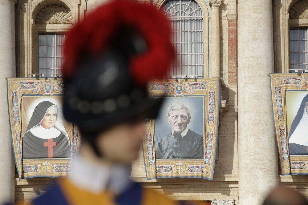Giao hoang Francis phong thanh cho nha than hoc John Henry Newman hinh anh 11