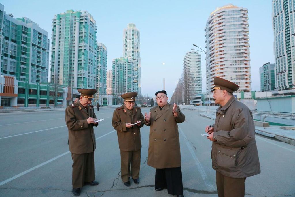 Ong Kim Jong Un cuoi bach ma anh 6