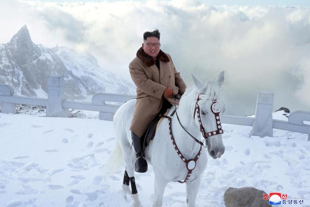 Ong Kim Jong Un cuoi bach ma anh 9