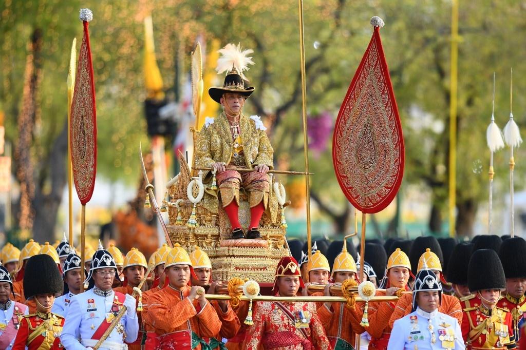 Cuoc canh tranh giua hoang hau va hoang quy phi ben canh nha vua Thai hinh anh 12