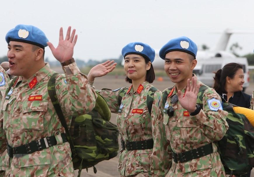 Chia tay can bo benh vien da chien len duong di Nam Sudan hinh anh 2