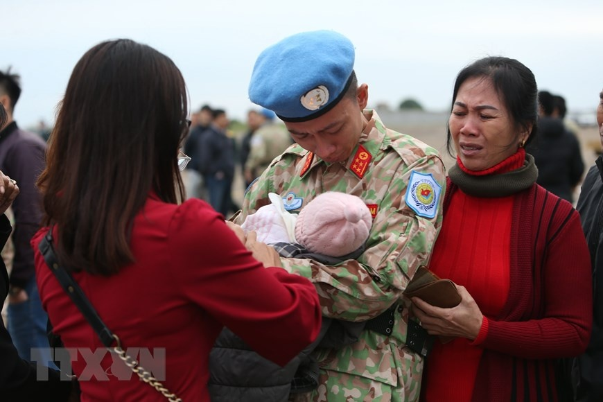 Chia tay can bo benh vien da chien len duong di Nam Sudan hinh anh 11