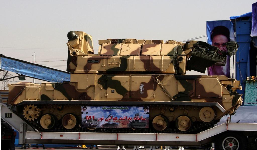 Lo hong trong luoi phong khong Iran tu vu ban nham may bay Ukraine hinh anh 2 Tor_SA15.jpg