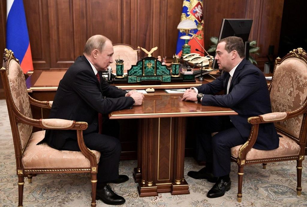 Cu soc thu tuong Nga tu chuc va ke hoach cua TT Putin sau nam 2024 hinh anh 1 Putin_Medvedev.jpg