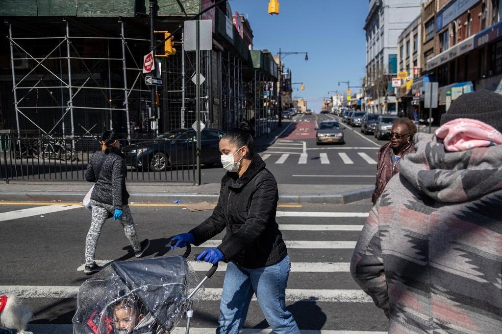 诚实的15,000例,纽约在两个图像的新三角形中Bronx.jpg