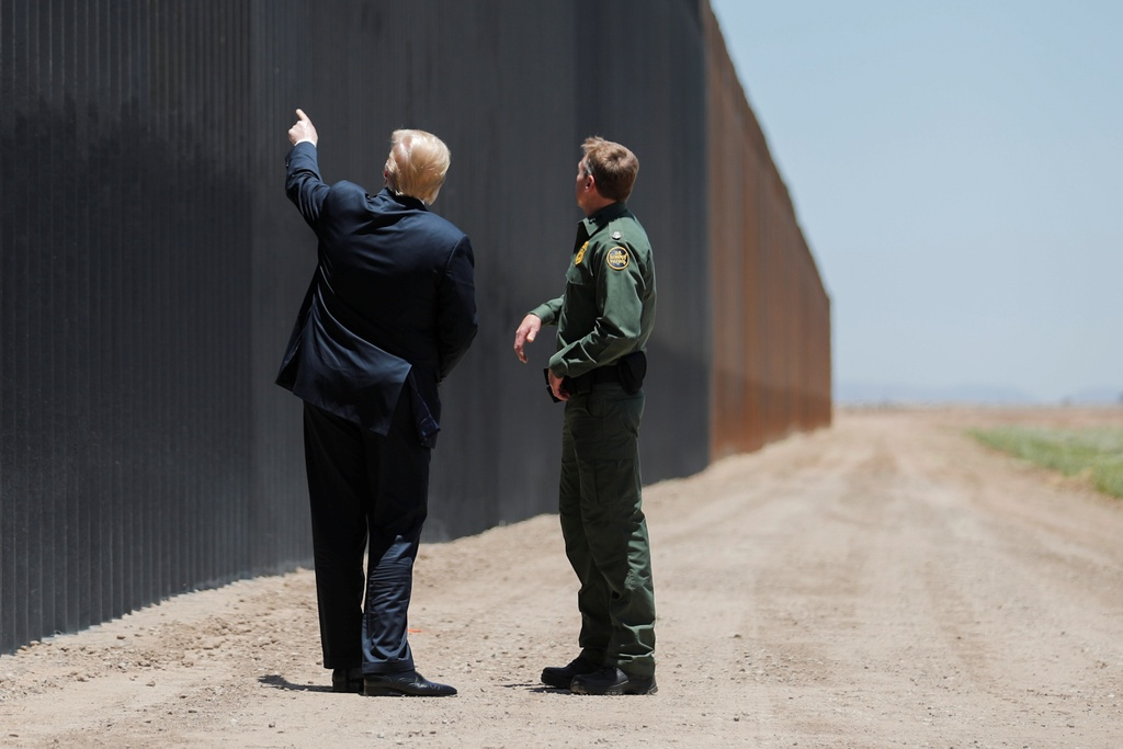 Trump tham tuong bien gioi anh 2