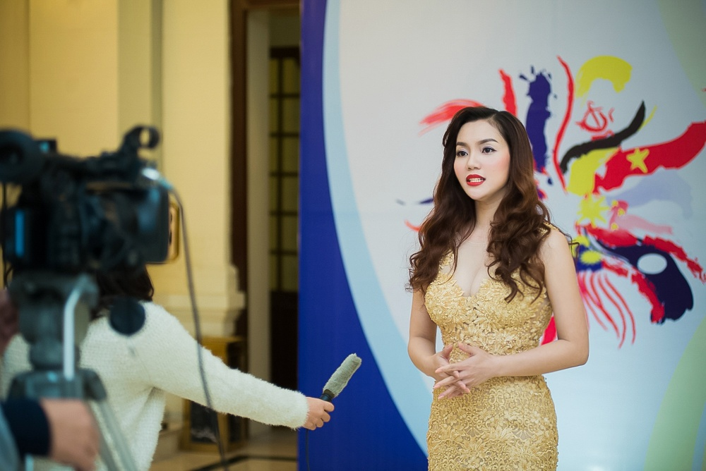 Ngoc Anh, My Linh gay an tuong voi dong nghiep nuoc ngoai hinh anh 3