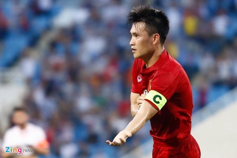 Xuan Truong va noi am anh chan thuong day chang o V.League hinh anh 3