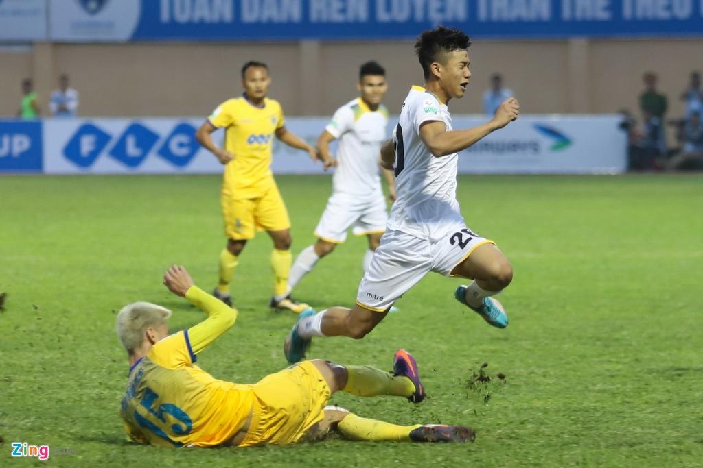 Quoc Vuong: The he toi tung tu hao khi 'an chan' nguoi khac hinh anh 3