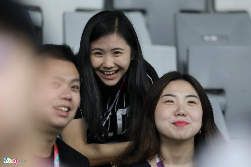 Fan nu Indonesia phat cuong vi Lin Dan, Chen Long o ASIAD hinh anh 10