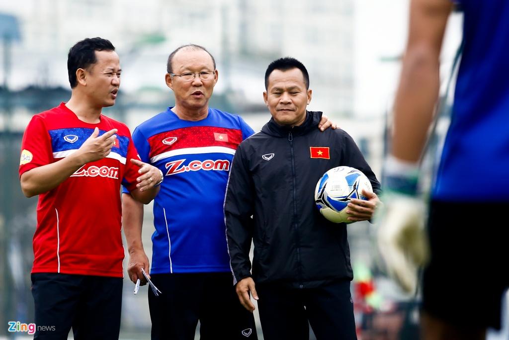 Le Huy Khoa,  Park Hang Seo,  Viet Nam,  Iraq,  Asian Cup,  bong chet,  da phat,  Iran anh 2