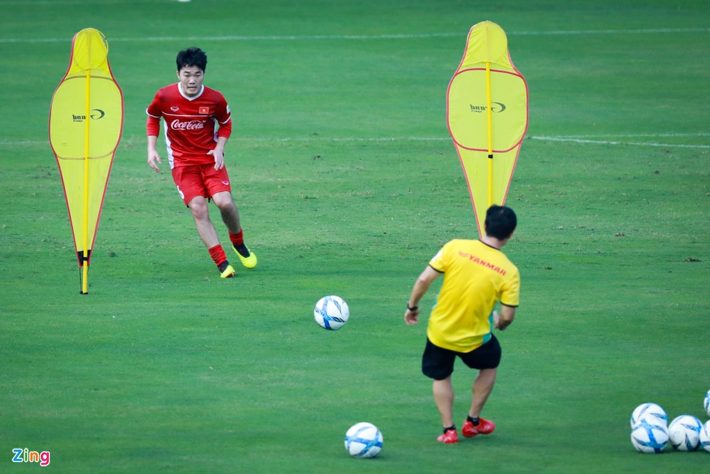HLV Park Hang-seo bat Xuan Truong tap nhieu hon dong doi hinh anh 2